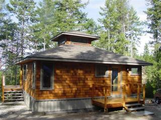 Lovely Cottage with Deck and Water Views - Lund vacation rentals