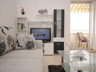 Rogoznica Center Apartment for 6 - Rogoznica vacation rentals