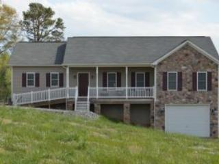 Perfect House with Deck and A/C - Louisa vacation rentals