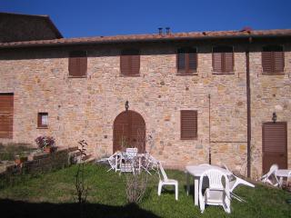 trilocale in campagna - Montaione vacation rentals
