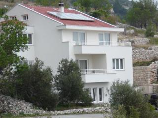 Rustic 'Lianto' - Drasnice vacation rentals