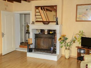 3 bedroom House with Internet Access in La Chapelle-Themer - La Chapelle-Themer vacation rentals