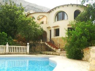 Nice Villa with Deck and Dishwasher - Calpe vacation rentals