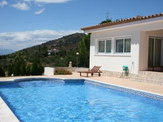 Beautiful villa w/pool in Palau Saverdera, Roses - Roses vacation rentals