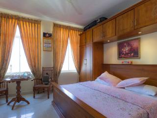 4 Bedroom Super Luxury Apartment With Stunning Vi - Colombo vacation rentals