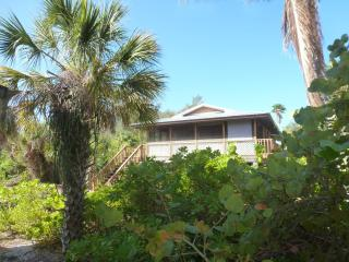 Serenity Cottage. Tropical Island Getaway! - Little Gasparilla Island vacation rentals