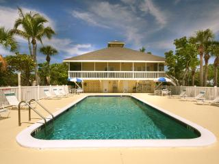 Coquina Cottage: Free Pool, Free Ferry plus WiFi! - Little Gasparilla Island vacation rentals