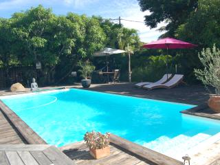 Perfect Condo with Hot Tub and Outdoor Dining Area - Saint-Pierre De La Reunion vacation rentals
