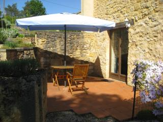 Walnut Store, Holiday Gite for two, Perigord Noir - Peyzac-le-Moustier vacation rentals