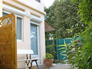 Nice Studio with Internet Access and Balcony - Meyreuil vacation rentals