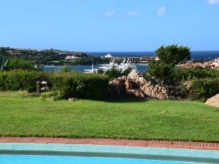 Appartamento piscina e fantastica vista sul mare - Porto Cervo vacation rentals