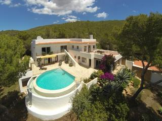 Nice Finca with Deck and Internet Access - Santa Eulalia del Rio vacation rentals