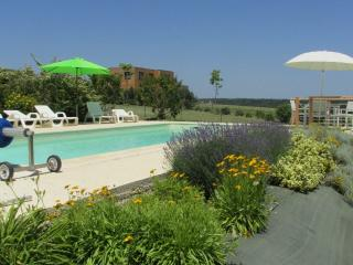 4 bedroom House with Internet Access in Plazac - Plazac vacation rentals