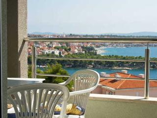 Sailor's Haven Seaview Trogir Apartment - Trogir vacation rentals
