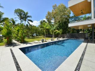 Spacious 4 bedroom House in Kewarra Beach - Kewarra Beach vacation rentals