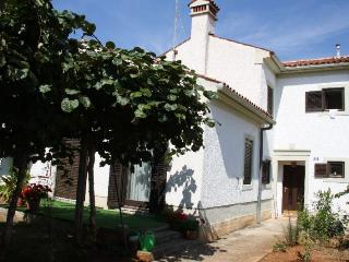 MILOHANOVIC MARIJA(1159-2677) - Porec-Kufci vacation rentals