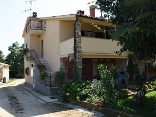 Cozy 1 bedroom House in Cervar Porat - Cervar Porat vacation rentals