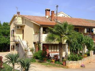Mariza(1225-2944) - Cervar Porat vacation rentals