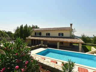 Bright 4 bedroom Vacation Rental in Sveti Bartol - Sveti Bartol vacation rentals