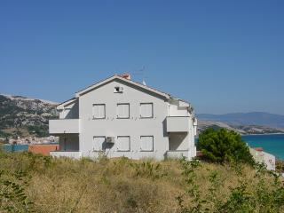 MRLE / DJIKIC / TIRONI(135-302) - Stara Baska vacation rentals