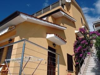 Nice 1 bedroom House in Rabac - Rabac vacation rentals