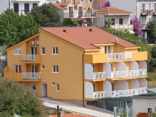 Cozy 2 bedroom Vacation Rental in Gradac - Gradac vacation rentals