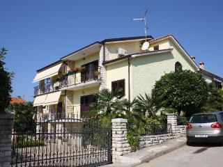 Nice 1 bedroom Vacation Rental in Porec - Porec vacation rentals