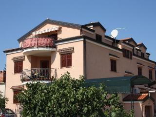 Beautiful 2 bedroom House in Mali Maj - Mali Maj vacation rentals