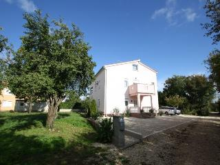 Nice 1 bedroom House in Funtana - Funtana vacation rentals