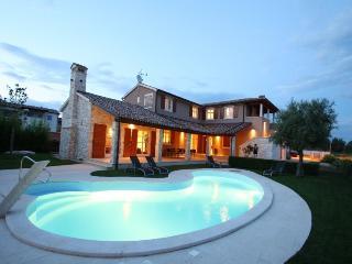 St. Santa Domenica(2174-5557) - Kastelir vacation rentals
