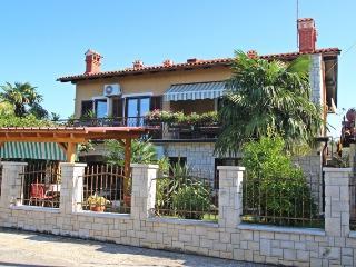 Hilmija Kamber(2401-6038) - Novigrad vacation rentals