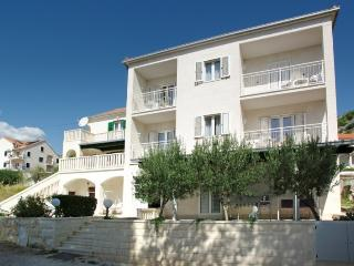 Beautiful 4 bedroom House in Bol - Bol vacation rentals