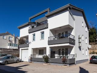 JUNIOR(2463-6210) - Crikvenica vacation rentals