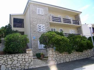 Beautiful 2 bedroom House in Pag - Pag vacation rentals