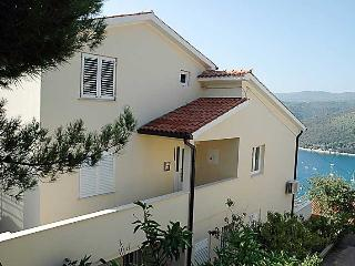 CLAUDIA ALVARO(447-3497) - Rabac vacation rentals