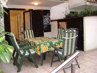 Romantic 1 bedroom House in Cervar Porat - Cervar Porat vacation rentals