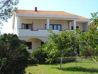BRUSIC ANA(922-2018) - Silo vacation rentals