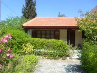 Beautiful Cottage with A/C and Outdoor Dining Area - Nea Makri vacation rentals