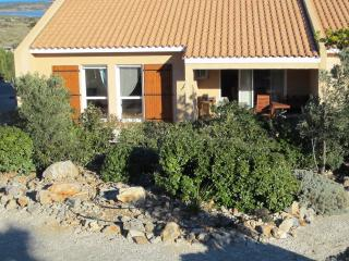 Cozy 3 bedroom Fitou Villa with Dishwasher - Fitou vacation rentals
