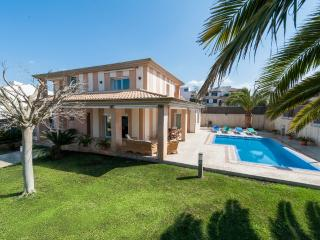 Perfect Villa with Internet Access and A/C - Son Veri Nou vacation rentals