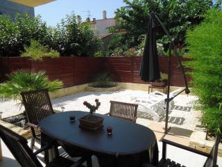 Rez de Jardin - La Londe Les Maures vacation rentals