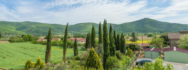Newly Restored 1br Apt.sleeps 4 In a Old Farmhouse - Pergo di Cortona vacation rentals
