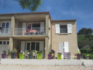 KRYSTYL haut de villa - Venelles vacation rentals
