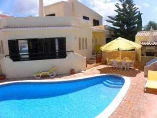 Villa Catuna - Guia vacation rentals