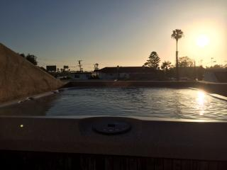Beautiful Pacific Beach Condo - Pacific Beach vacation rentals