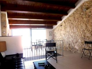 2 bedroom Apartment with Internet Access in Cuglieri - Cuglieri vacation rentals