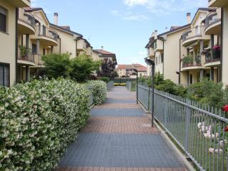 Cozy Condo with Internet Access and Satellite Or Cable TV - Vanzago vacation rentals
