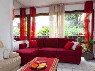 A 10 Mnts. A PIED DES PLAGES. 4 COUCHAGES - Valescure vacation rentals