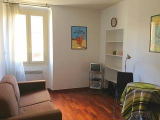 Beau studio au coeur du Vieux Nice - Nice vacation rentals