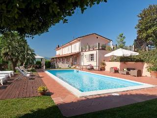 Villa Lucca 8 a 10 persone - Capannori vacation rentals